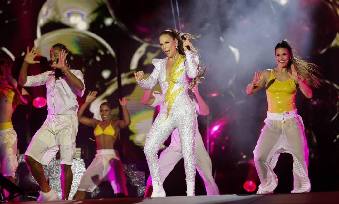 Público só deixou de pular e cantar com o adeus da cantora Foto: Agência O Globo