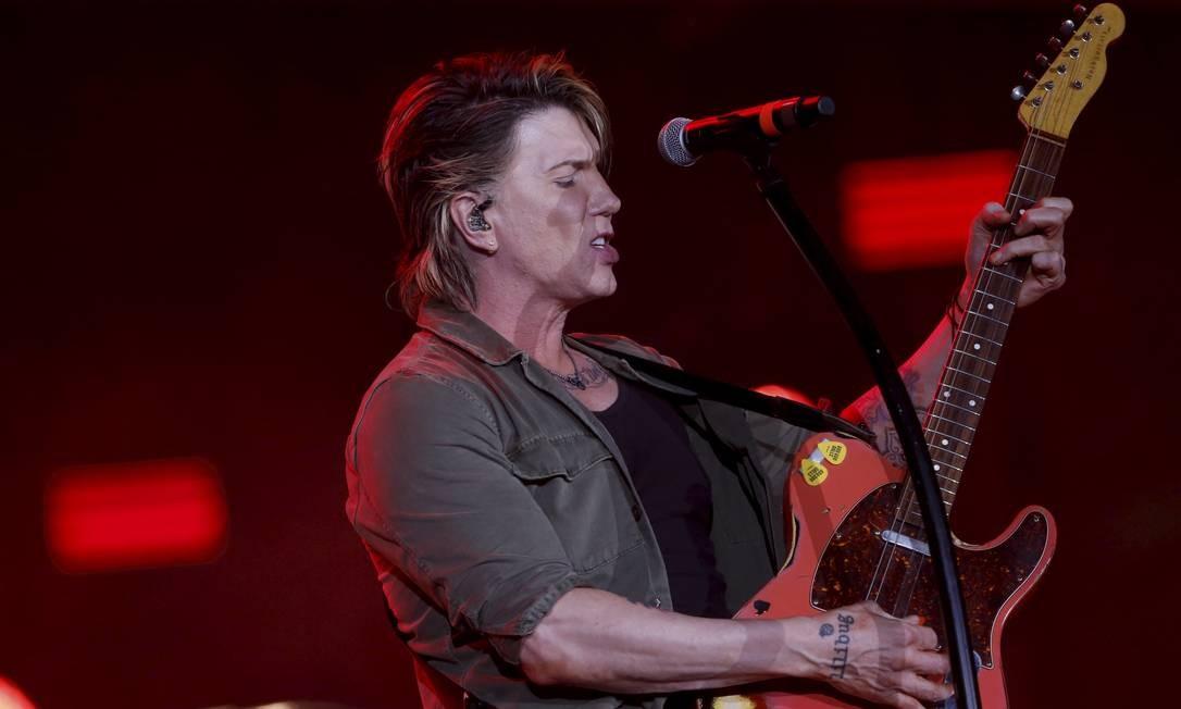 """Liderados por Rzeznik, os tiozinhos animaram o público que esperava por Bon Jovi com canções como """"Big Machine"""" e """"Slide"""" Foto: MARCELO THEOBALD / Agência O Globo"""