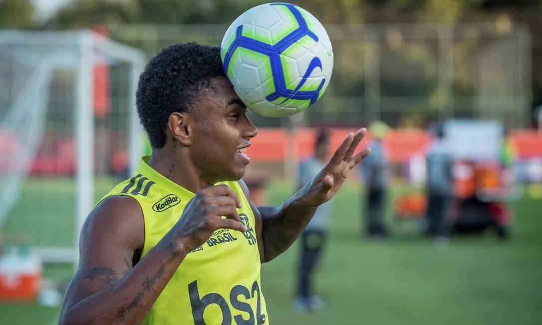 Vitinho é um dos jogadores que Jorge Jesus precisará recuperar Foto: Alexandre Vidal/Flamengo