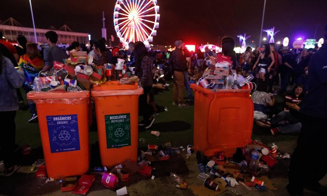 Lixo na Cidade do Rock Foto: Brenno Carvalho / Agência O Globo