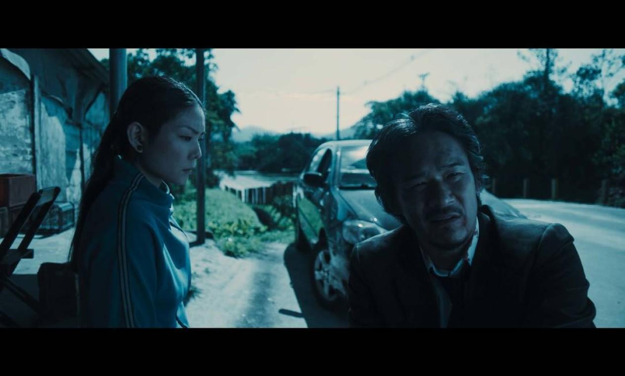 Em Princesa da Yakuza, Akemi (Masumi Cherrie) e Takeshi (Tsuyoshi Ihara) estão ligados pela família dela Foto: Divulgação
