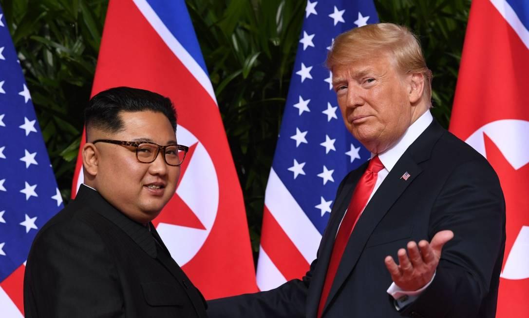 Presidentes Donald Trump e Kim Jong-un, durante encontro em Cingapura Foto: SAUL LOEB / AFP / 21-06-2018