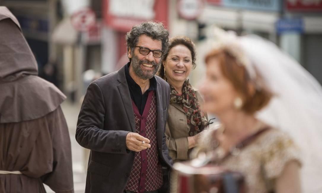 RS - Paulo Betti e Eliane Giardini em cena do filme