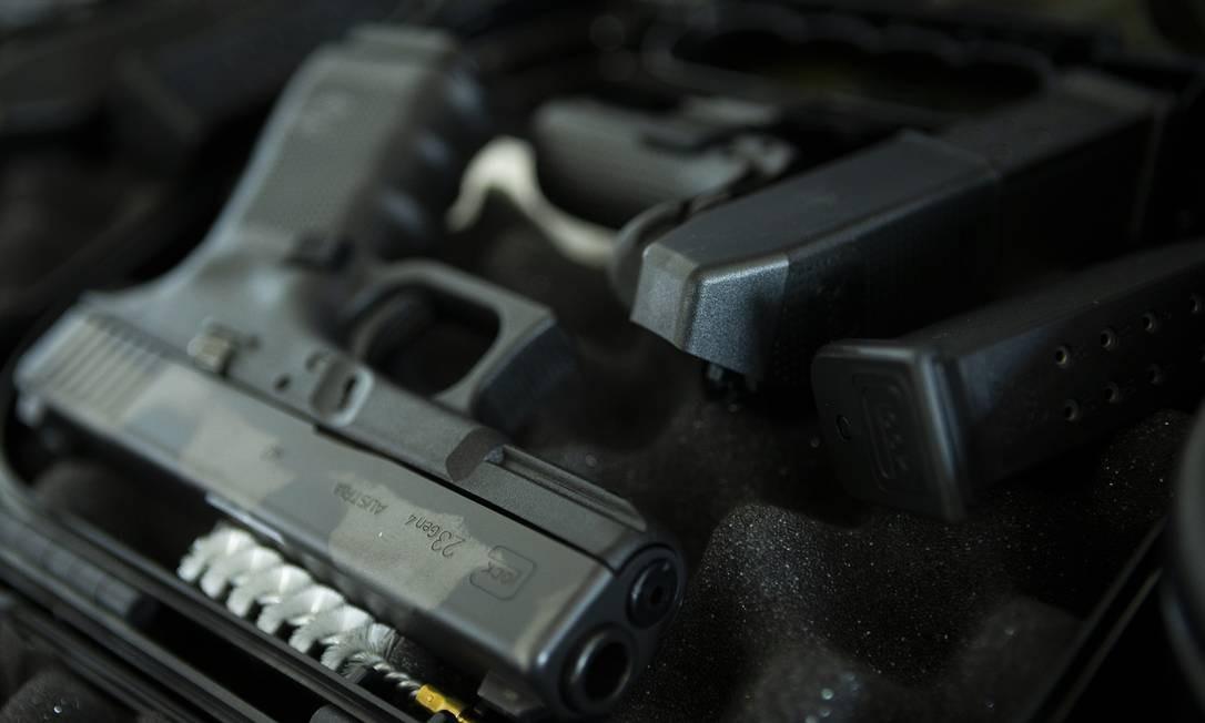 Resultado de imagem para glock g23 40 policia civil rj