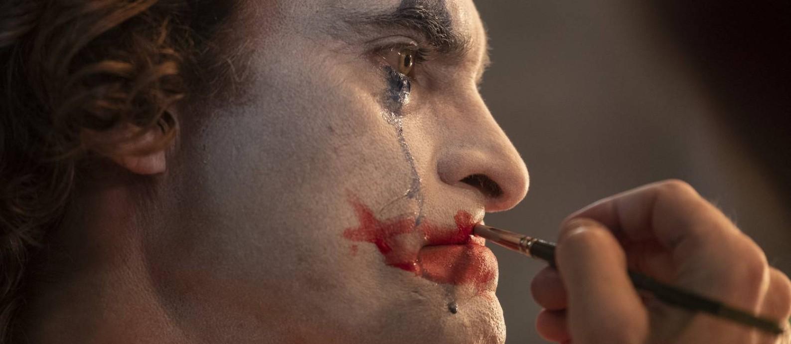 Joaquin Phoenix interpreta o Coringa no filme de Todd Phillips Foto: Divulgação