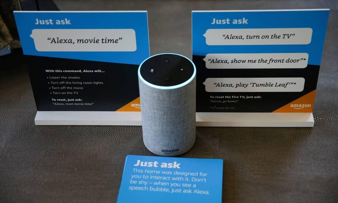 A caixa de som inteligente Echo está entre os produtos que a Amazon lança no Brasil Foto: Elijah Nouvelage / REUTERS