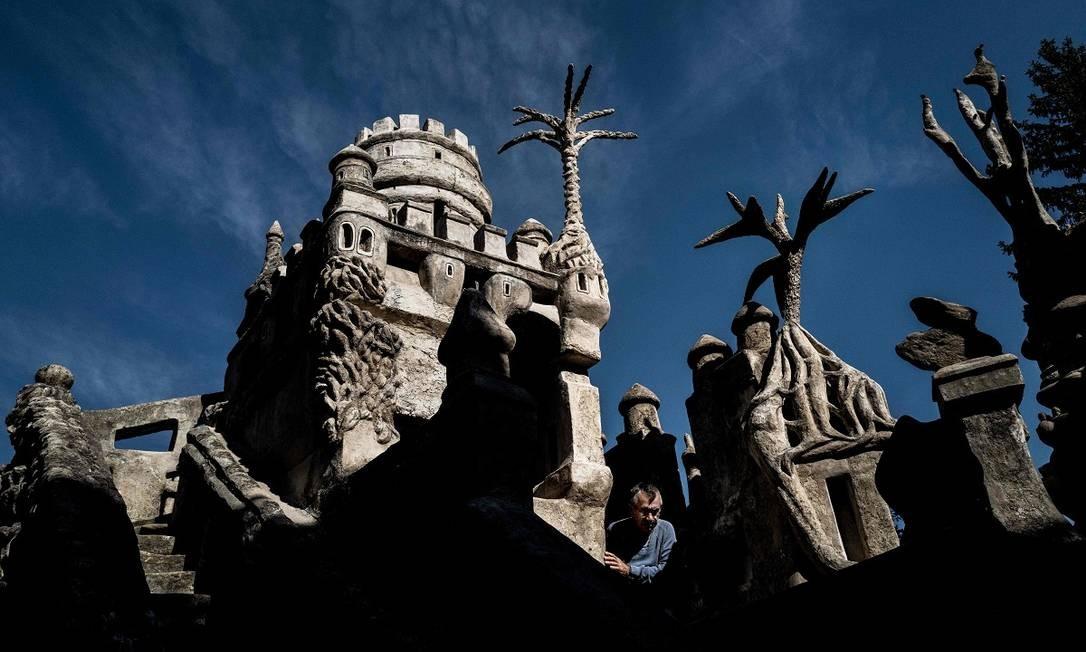 Facteur ('carteiro') Cheval levou 33 anos para construir seu 'palácio ideal', concluído em 1912 Foto: JEFF PACHOUD / AFP