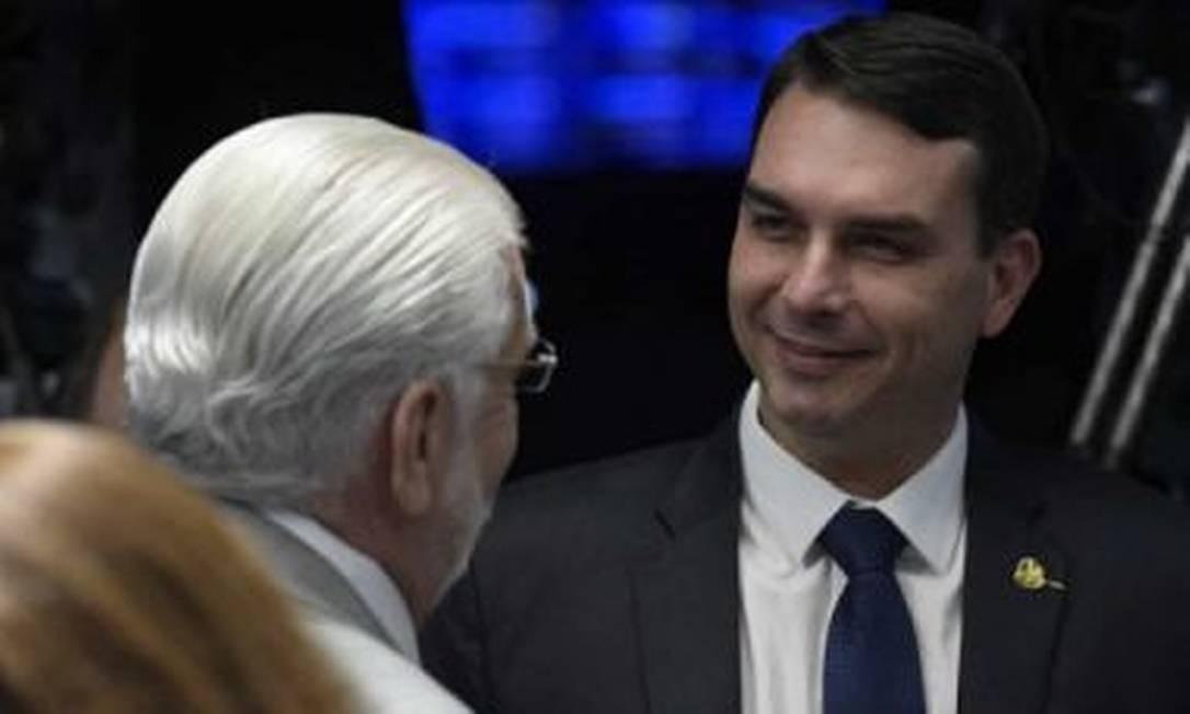 Jaques Wagner e Flávio Bolsonaro Foto: Agência Senado
