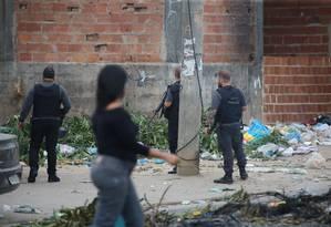 Complexo da Pedreira, em Costa Barros: favela é palco de uma operação na manhã desta sexta Foto: Fabiano Rocha / Agência O Globo
