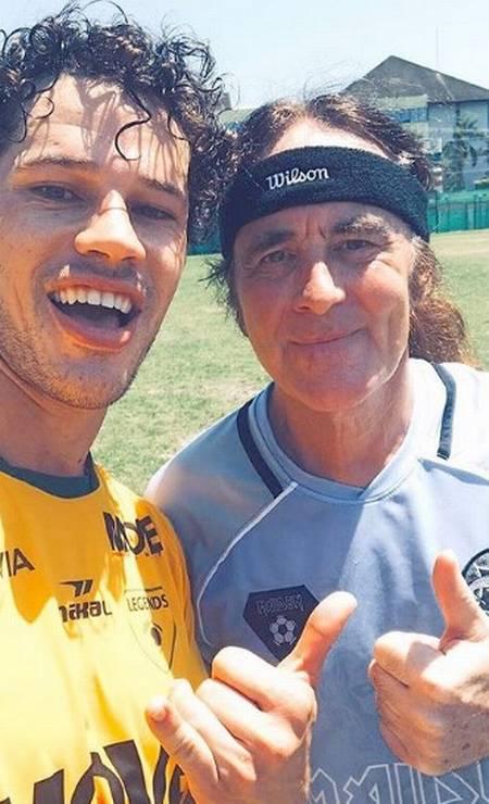 Steve Harris jogou futebol com José Loreto Foto: Reprodução/Instagram