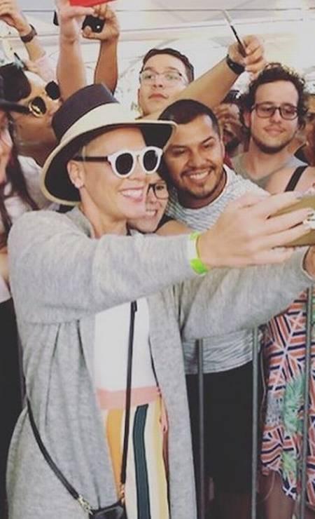 Pink tirou fotos com os fãs Foto: Reprodução/Instagram
