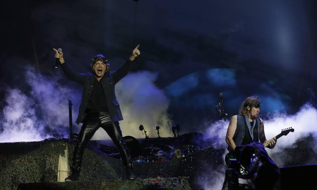 A pedido da banda, Iron Maiden se apresentou mais cedo nesta sexta-feira Foto: Marcelo Theobald / Agência O Globo