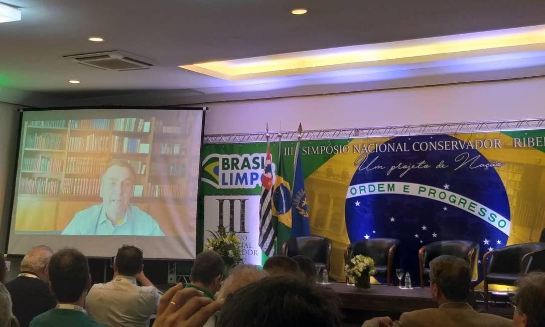 Jair Bolsonaro faz transmissão ao vivo para o 3° realizado em Ribeirão Preto (SP) Foto: Divulgação