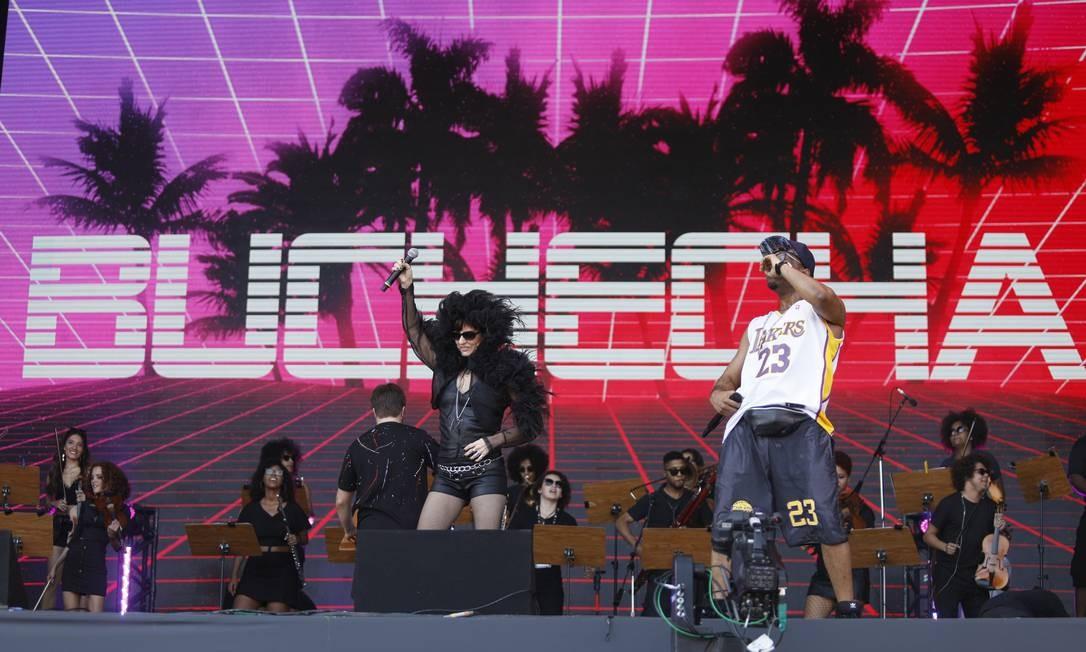 Juntos cantaram funks antigos, como 'Rap da Estrada da Posse' e 'Tremendo Vacilão' Foto: Brenno Carvalho / Brenno Carvalho/Agência O Globo
