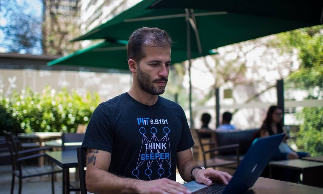 Para Danilo Limoeiro, fundador da start-up Turivius, burocracia estimula o surgimento das 'legaltechs' Foto: Agência O Globo