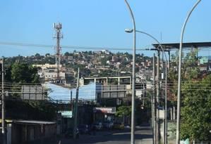 A fachada do Morro do Carrapato, em São João de Meriti Foto: Fabiano Rocha /2017 / Agência O Globo