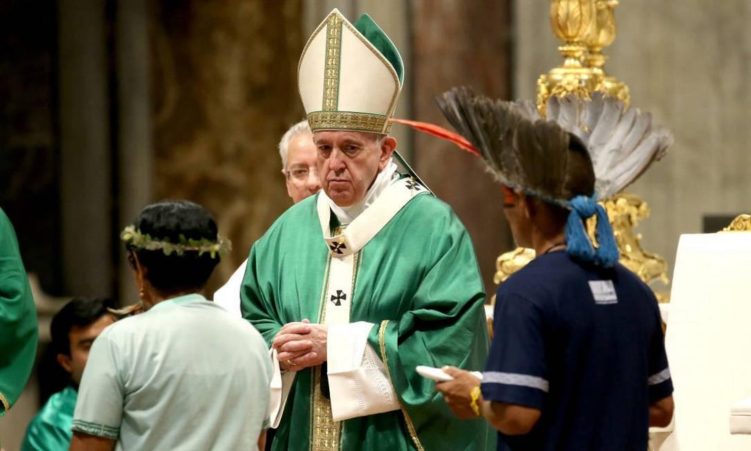 Papa Francisco em missa de abertura do Sínodo da Amazônia na Basílica de São Pedro neste domingo (6) Foto: Franco Origlia / Getty Images