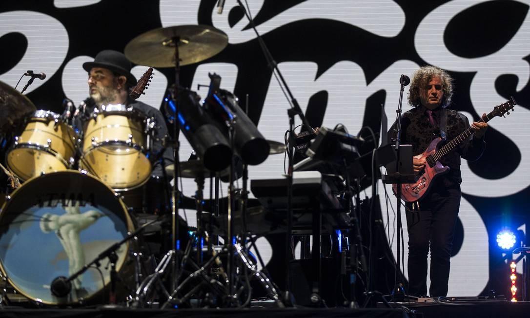 King Crimson foi a última banda a se apresentar no Palco Sunset neste domingo Foto: Guito Moreto / Agência O Globo