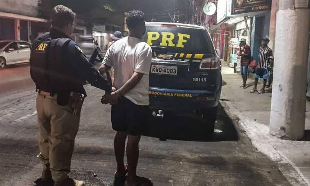 Homem foi preso em Guapimirim, na Baixada Fluminense Foto: Divulgação/ PRF