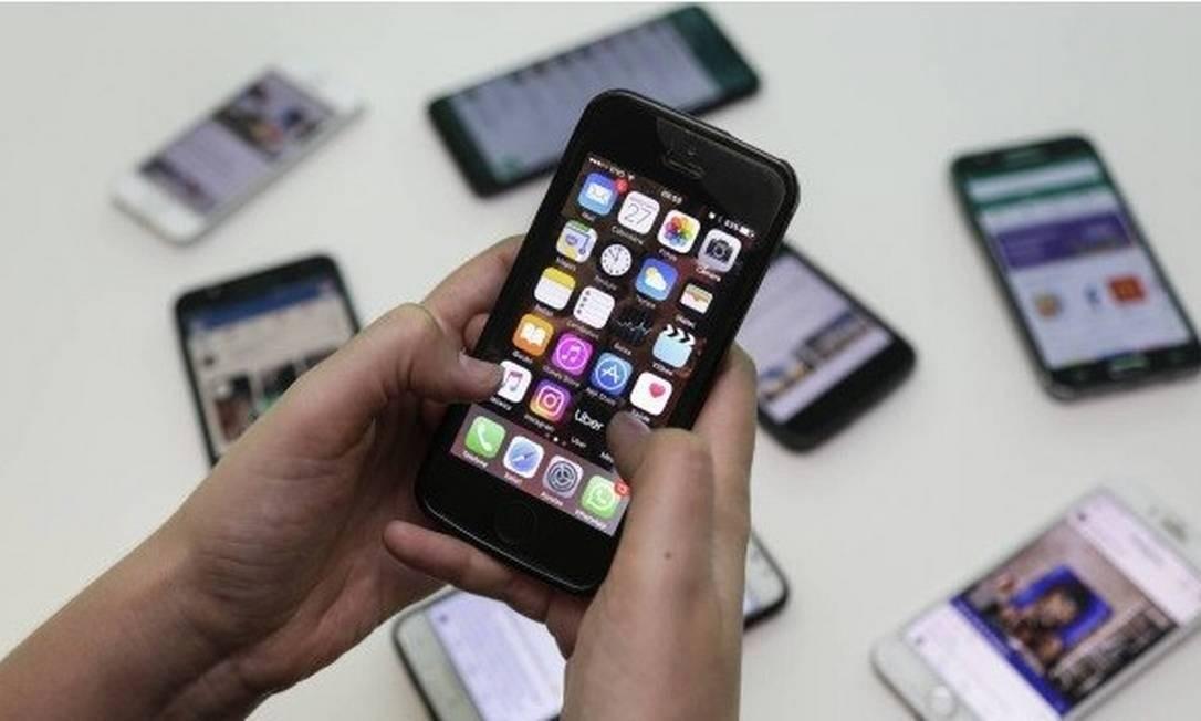 Telefonia: novas regras sobre fidelização já estão em vigor Foto: Marcos Ramos / Agência O Globo