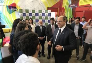 WItzel esteve no Colégio Estadual José Leite Lopes, que integra o Núcleo Avançado em Educação (Nave) Foto: Gilberto Porcidonio
