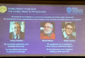 Premiados pelo Nobel de Física de 2019 são revelados em coletiva de imprensa em Estocolmo, na Suécia Foto: JONATHAN NACKSTRAND / AFP