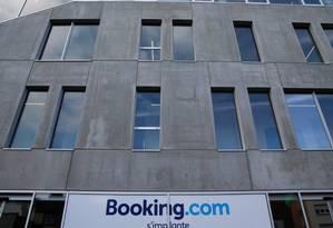 Prédio da Booking.com: empresa é multada por não cumprir Código de Defesa do Consumidor Foto: Reuters