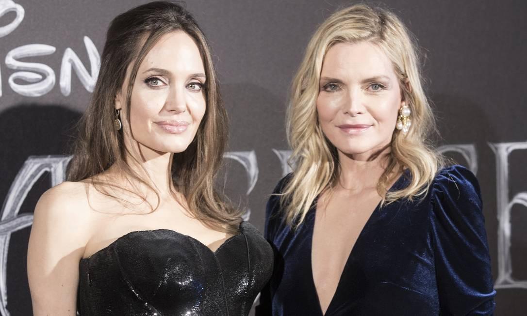 Angelina Jolie e Michelle Pfeiffer (à direita), em Roma Foto: Alessandra Benedetti - Corbis / Corbis via Getty Images