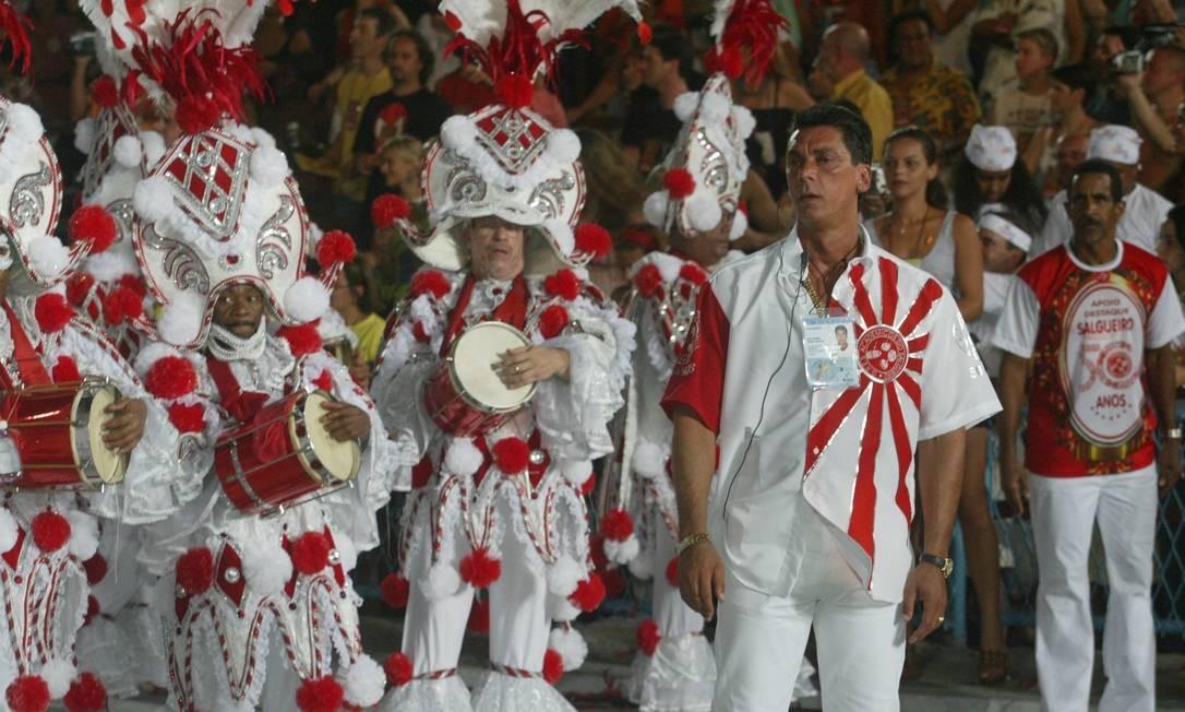 Maninho em desfile do Salgueiro em 2003: família do bicheiro tinha envolvimento com escola de samba da Tijuca Foto: Guilherme Pinto / Agência O Globo - 02/03/2003
