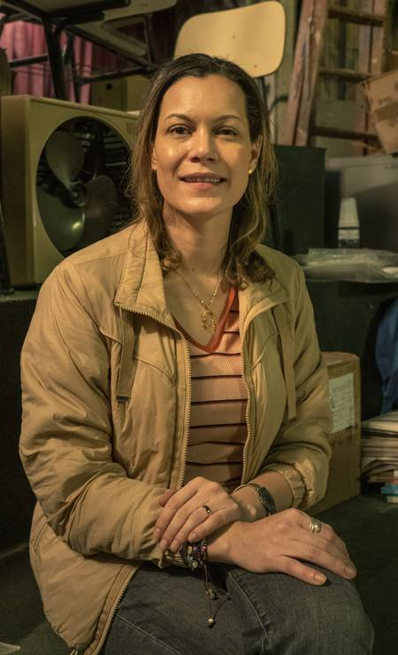 Sônia (Hermila Guedes): professora de História e Geografia. Casada com Carlos, tem dois filhos pequenos e sofre constantes agressões do marido Foto: Mauricio Fidalgo / TV Globo