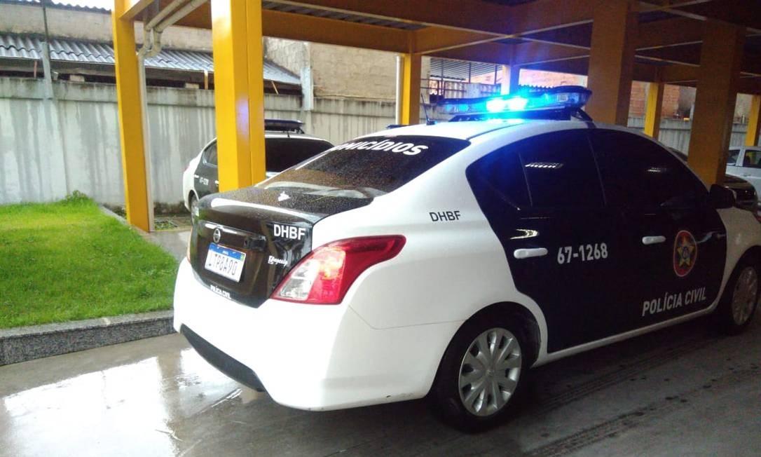 A DHBF está nas ruas para cumprir mandados de busca e apreensão Foto: Letícia Gasparini / Agência O Globo