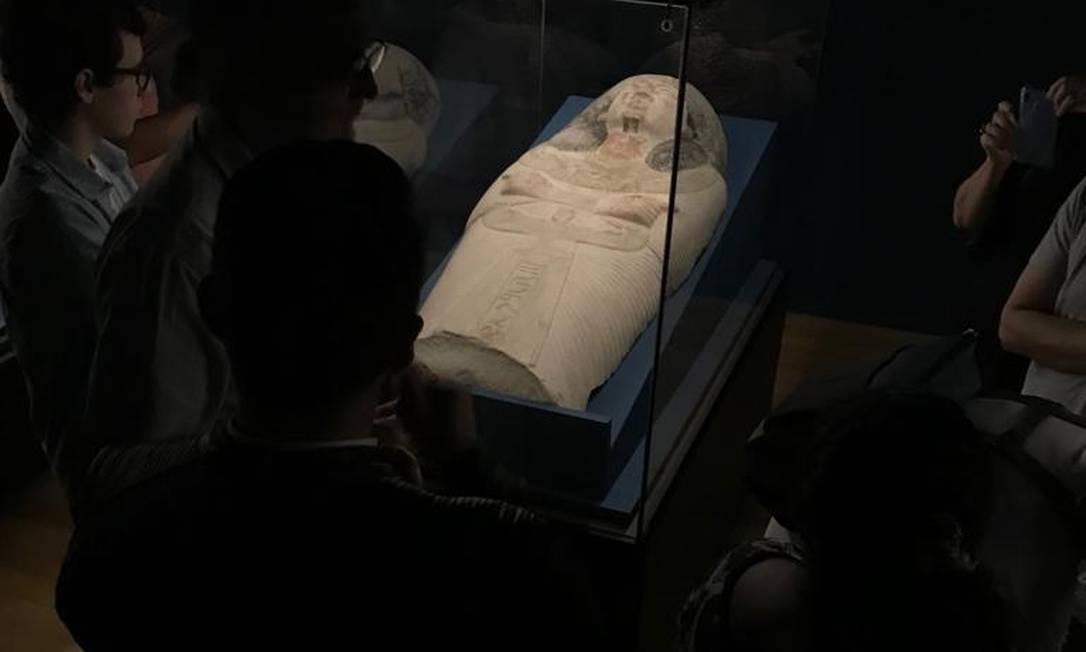 Egito Antigo: tampo de um sarcófago de 4.000 a.C., na mostra que ocupa o 1º andar do CCBB Foto: Bruno Calixto