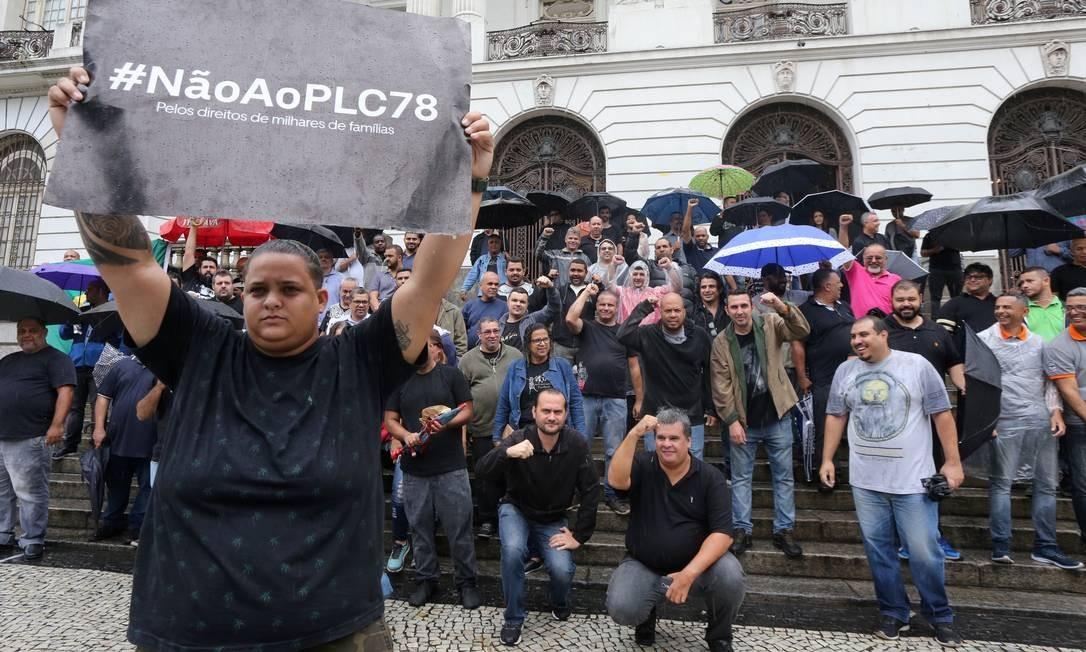 Projeto de Lei Complementar 78/2018 que prevê regras mais rígidas na regulamentação de aplicativos na cidade Foto: Guilherme Pinto / Agência O Globo