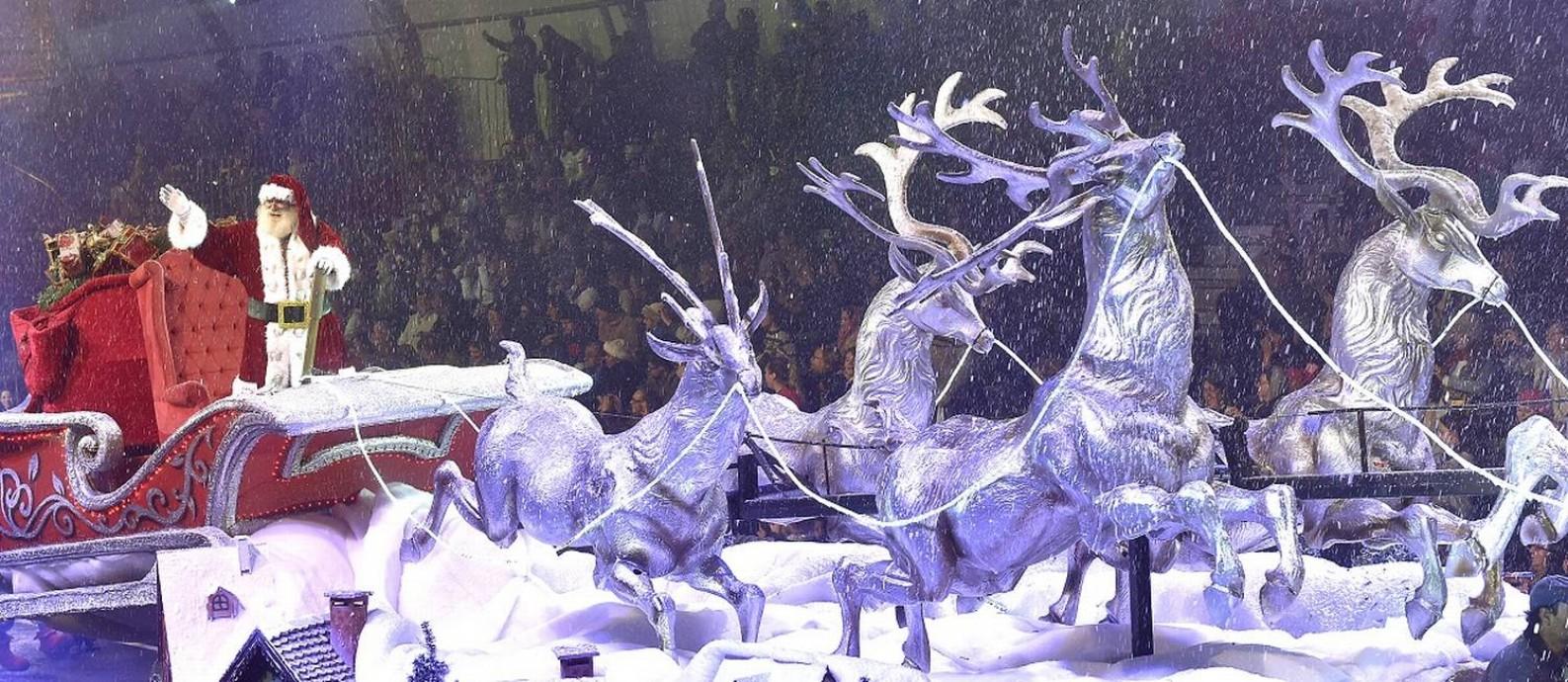A Rena Mais Famosa Do Papai Noel natal luz em gramado: festival transforma a serra gaúcha na