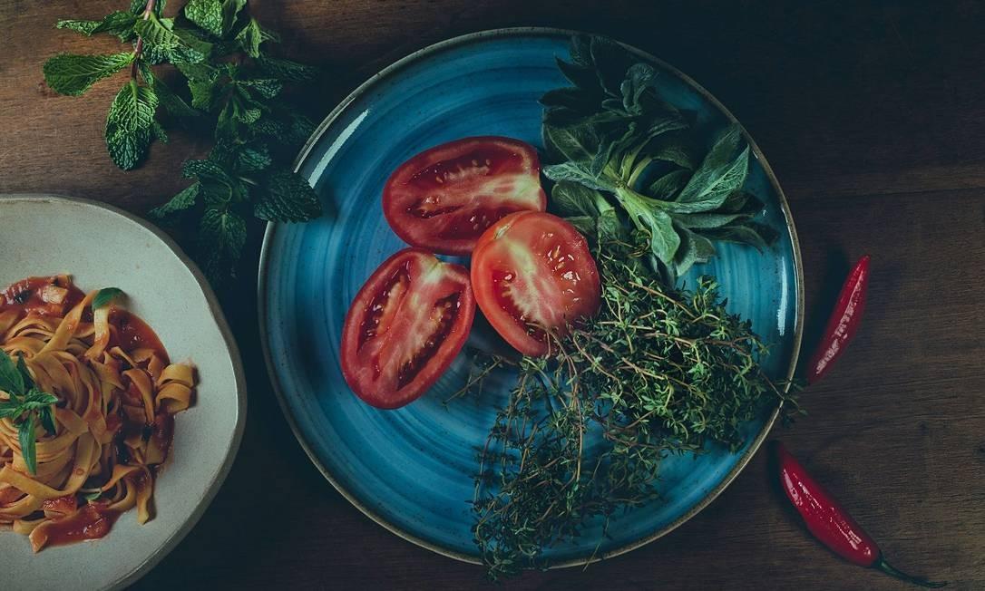 Prato com produtos locais do restaurante Wood, em Gramado Foto: Wood / Divulgação