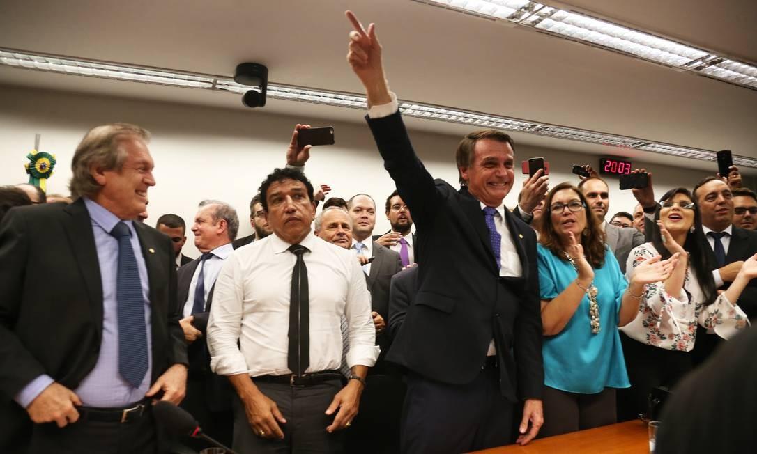 Jair Bolsonaro durante sua filiação ao Partido Social Liberal (PSL), em março de 2018, depois de se lançar candidato à presidência da República Foto: Givaldo Barbosa / Agência O Globo / 07/03/2018