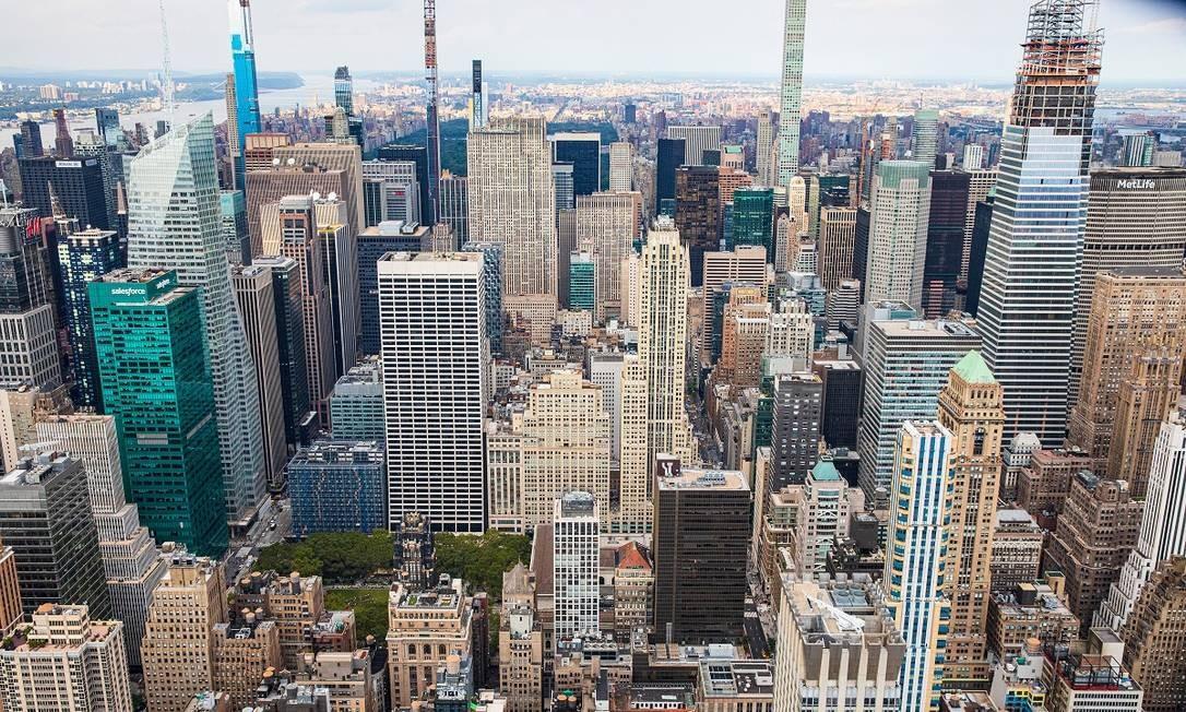 A vista de Nova York que se tem quando se olha no sentido norte, do alto do Empire State Building Foto: Mark Wickens / The New York Times