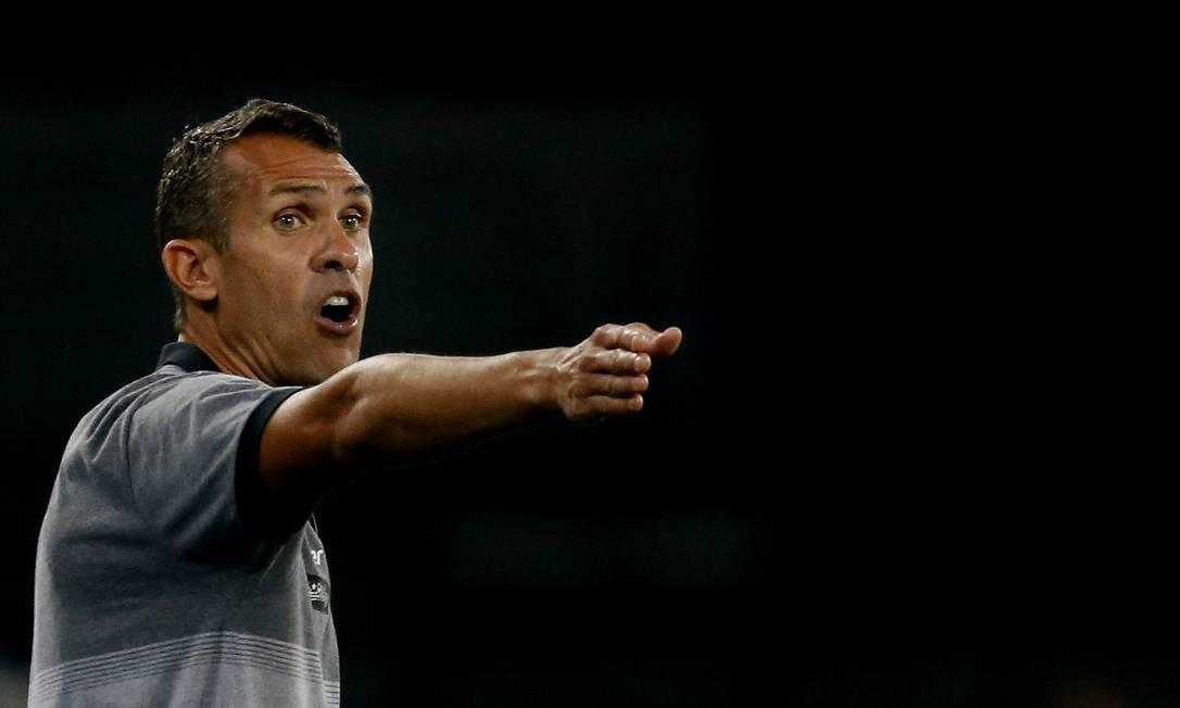 Bruno Lazaroni comandou o Botafogo na vitória sobre o Goiás Foto: VITOR SILVA/BOTAFOGO