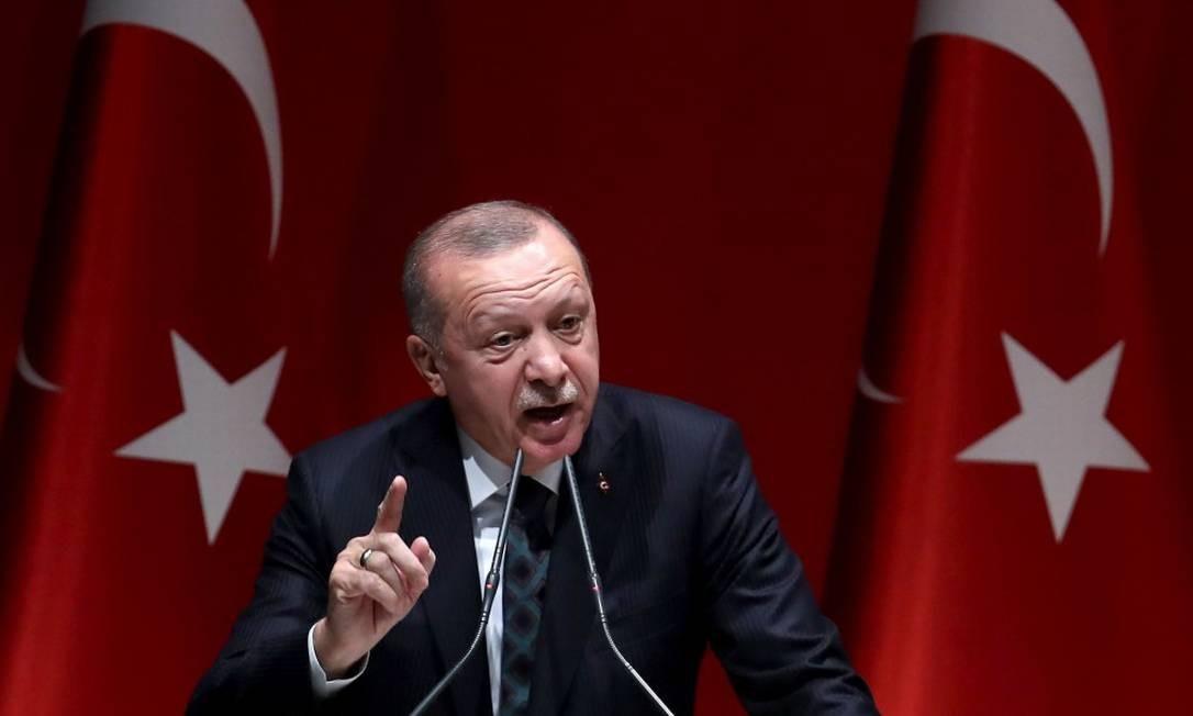 Presidente turco Recep Tayyip Erdogan faz discurso para seus partidários em Ancara Foto: ADEM ALTAN / AFP