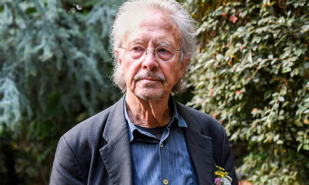 O austríaco Peter Handke fotografado em Paris Foto: ALAIN JOCARD / AFP