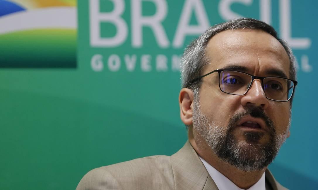 O ministro da Educação, Abraham Weintraub, em café da manhã com jornalistas Foto: Jorge William / Agência O Globo