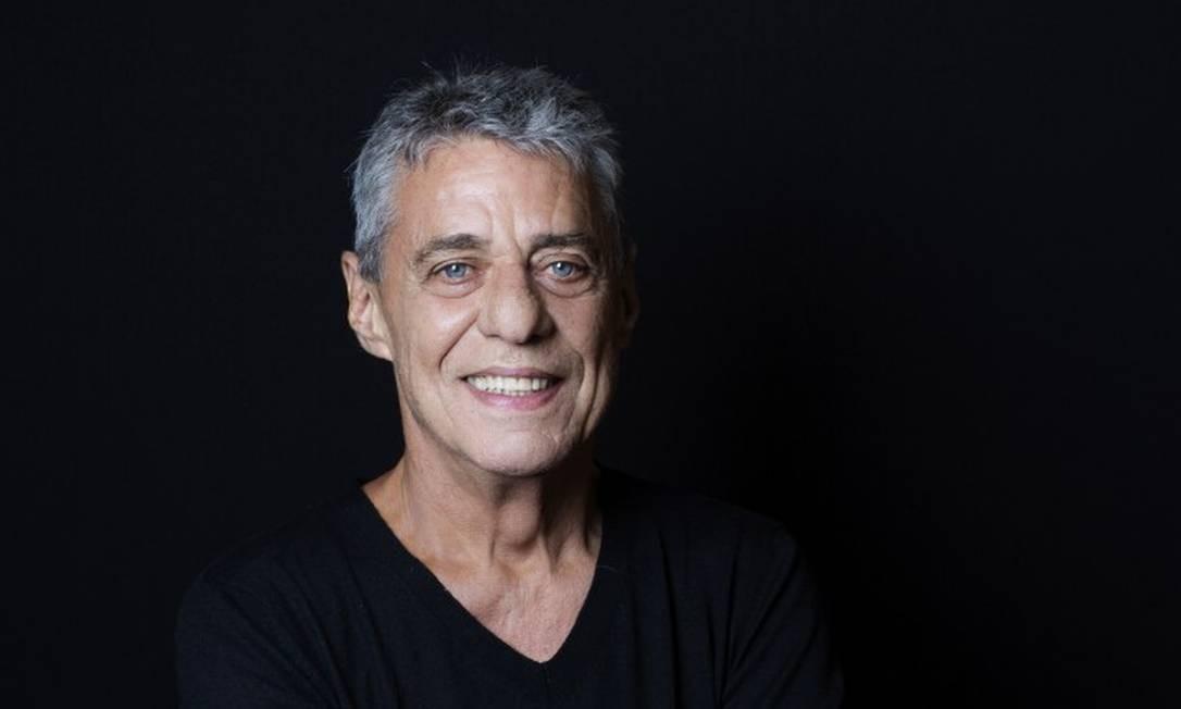 Chico lança em novembro seu sexto romance, 'Essa gente' Foto: Leonardo Aversa / Agência O Globo