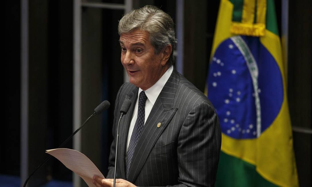 O senador Fernando Collor (PTC-AL) no plenário do Senado para a sessão de admissibilidade do processo de impeachment da presidente Dilma Roussef (PT) Foto: Daniel Marenco / Agência O Globo - 11/05/2016