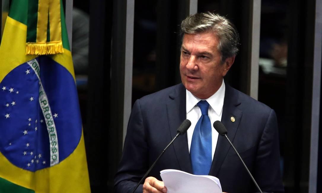Agentes da Polícia Federal cumprem 16 mandados de busca e apreensão em endereços ligados a Collor Foto: Givaldo Barbosa / Agência O Globo