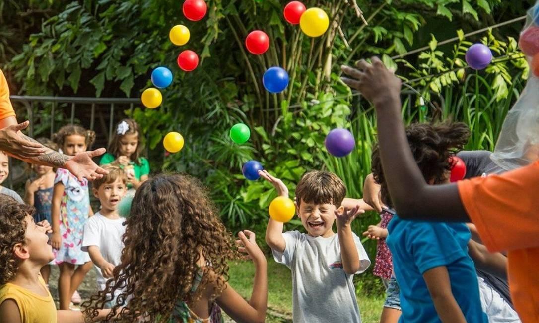 O Circuitinho é pensado especialmente para a criançada, com oficinas de slime, roda de capoeira, show musical e brinquedos gigantes Foto: Divulgação