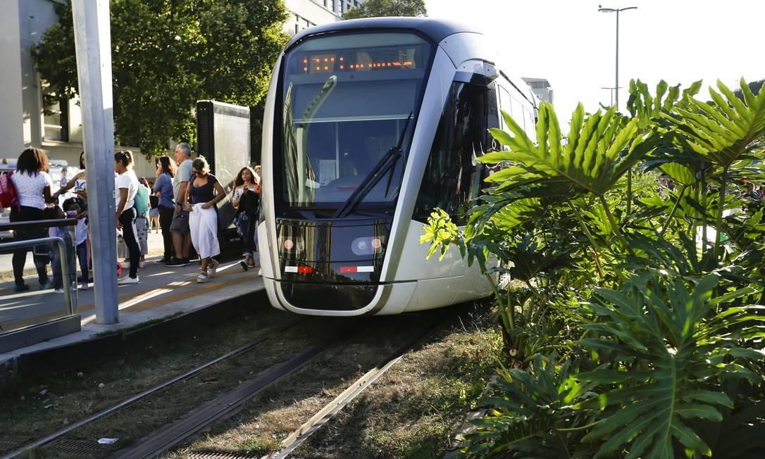 Serviço do VLT começa a operar em novembro na Linha 3 Foto: Roberto Moreyra / Agência O Globo