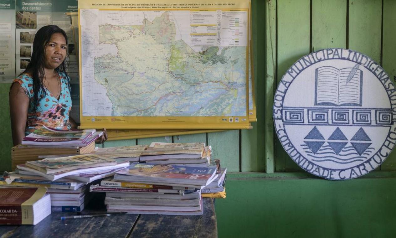 Professora de escola municipal indígena na comunidade de Cartucho Foto: Rogério Assis / ISA