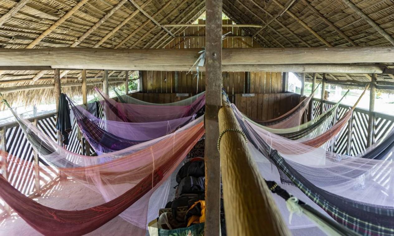 Interior do alojamento para os viajantes do roteiro Maniaka Foto: Rogério Assis / ISA