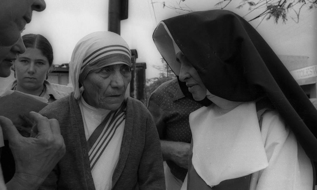 Encontro entre Irmã Dulce e Madre Teresa de Calcutá em Salvado, julho de 1979 Foto: Arquivo / Agência O Globo