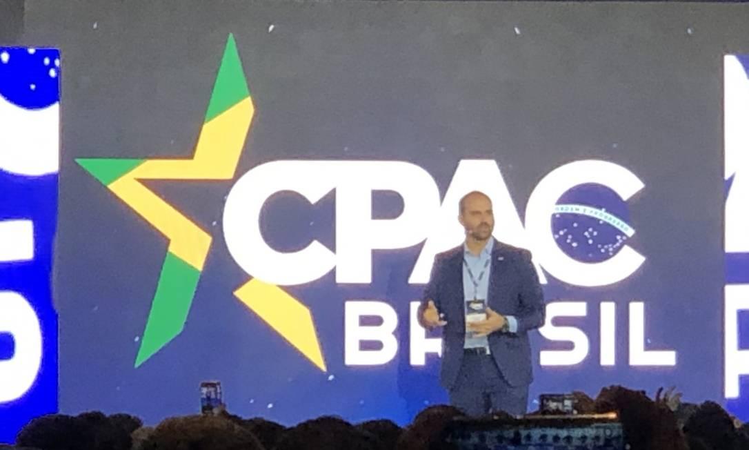 O deputado Eduardo Bolsonaro no CPAC Brasil, megaevento conservador americano Foto: Henrique Gomes/ Agência O GLOBO
